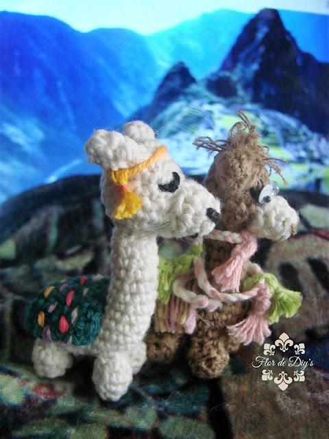 amigurimis-llama-y-alpaca-vista-lateral-flor-de-diys