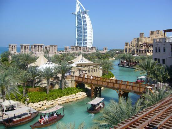 Covid, quasi 300 studenti italiani bloccati a Dubai