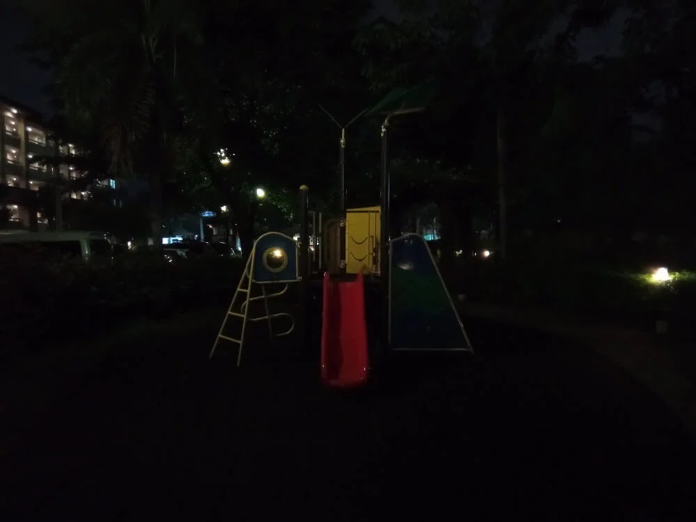 Xiaomi Redmi 9 Camera Sample - Night, Playground, Primary