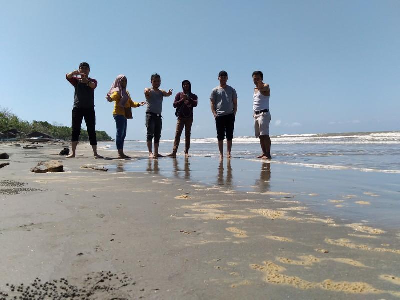 Wisata Pantai Batu Gong Kendari Yang Tidak Terlalu Jauh Dari Pusat Kota Kendari Sulawesi Tenggara Denianggoleta