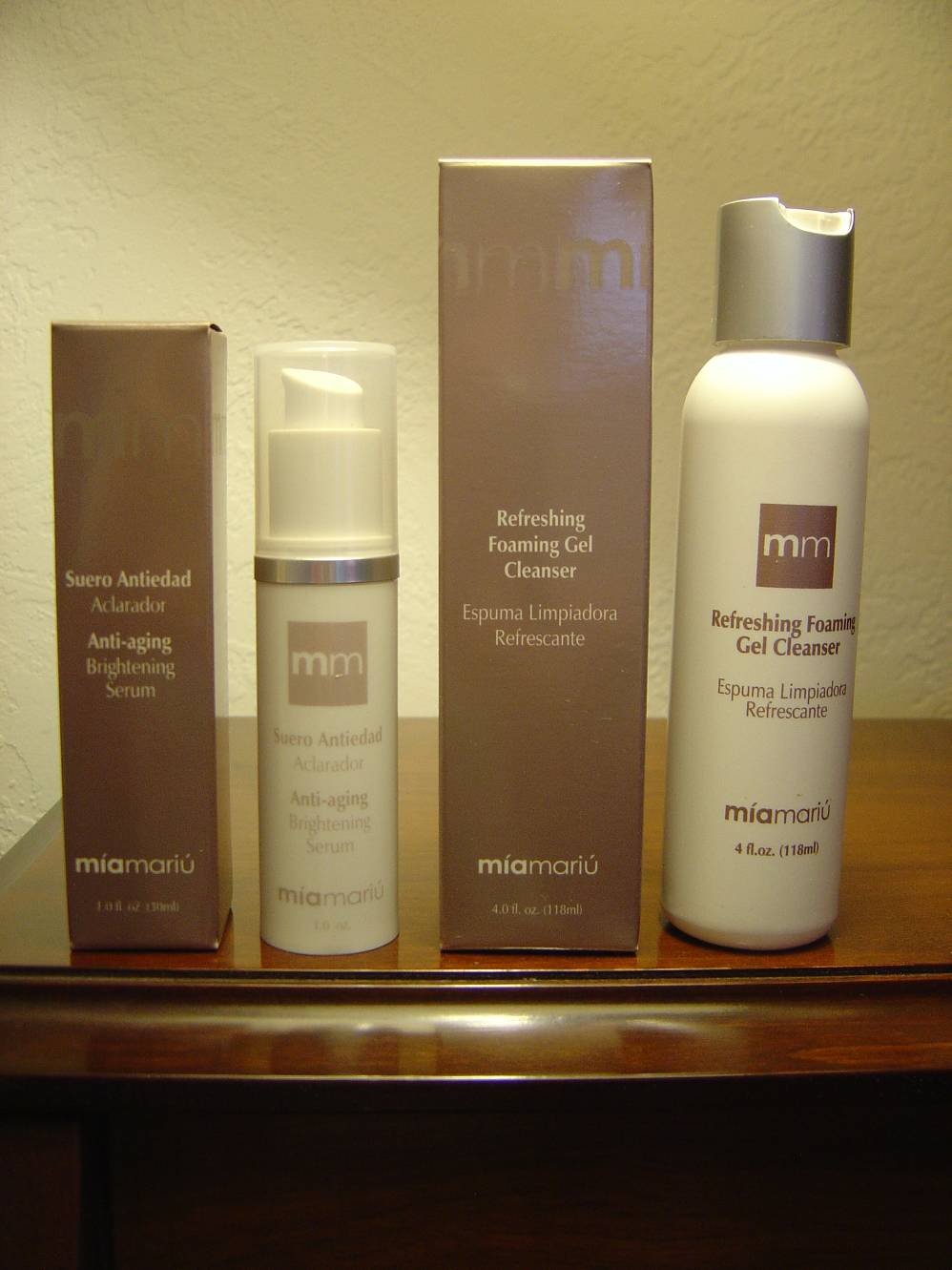 Mia Mariu Anti-Aging Brightening Serum & Refreshing Foaming Gel Cleanser.jpeg