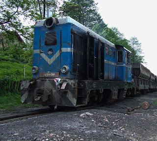 tren carbune