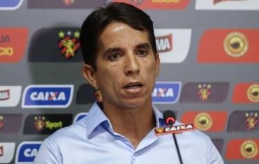 Após quatros meses, presidente do Sport pede afastamento