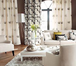 Dekorativne zavese za dnevno sobo.