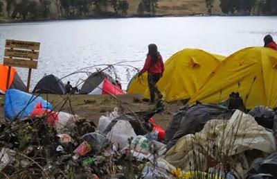 Sampah Para Pendaki