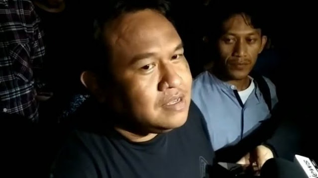 Viral Ibu-ibu Cegat Polisi, Aktivis Dandhy Laksono Beri Sindiran Menohok