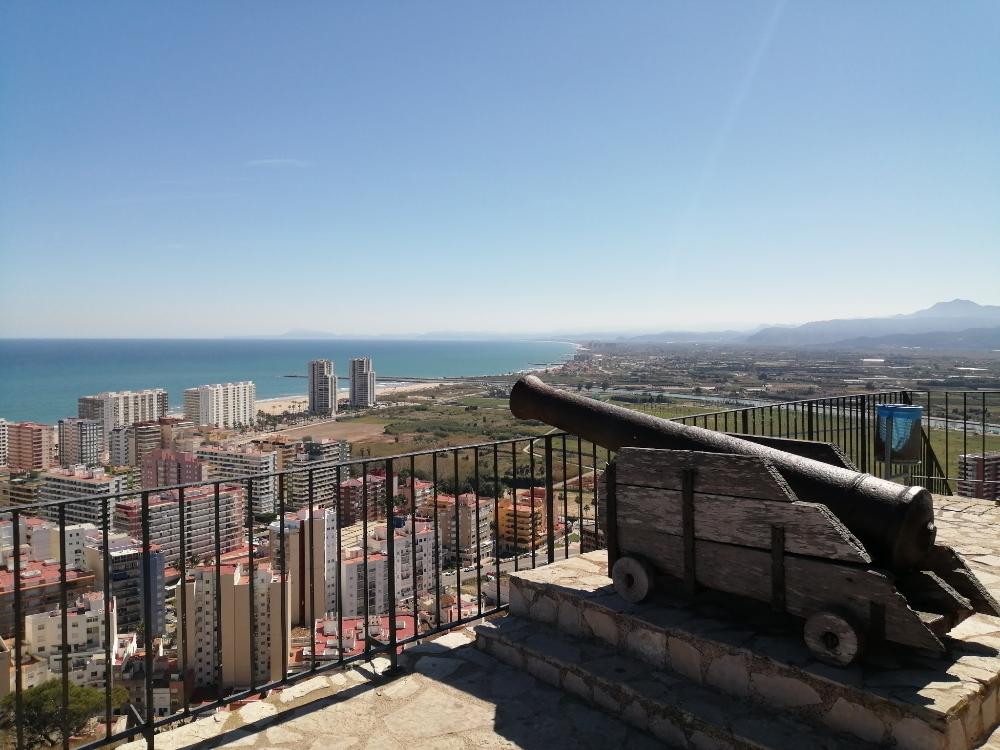 View south from Cullera Castle over the city, with el Montgó in the distance