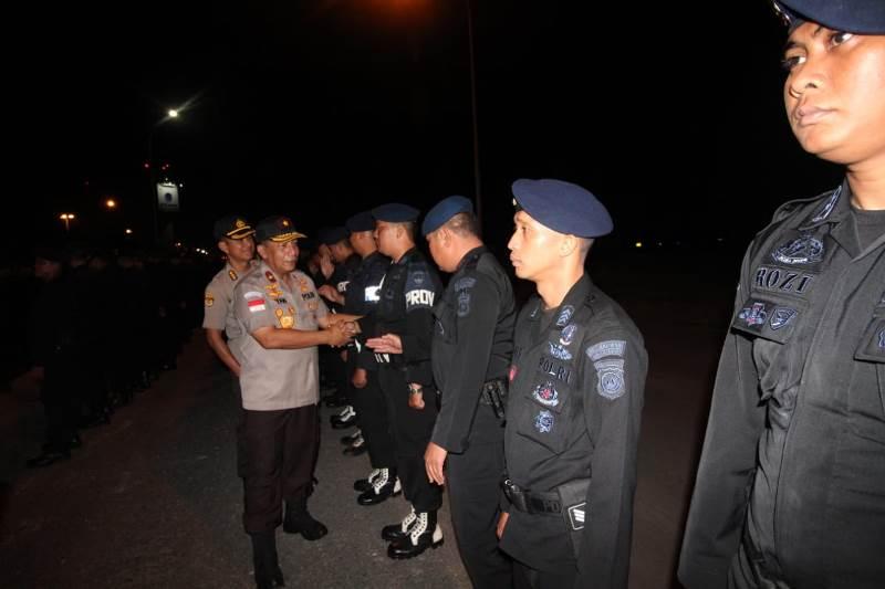 Wakapolda Kepri Pimpin Apel Pemberangkatan Personil Sat Brimob ke BKO Polda Papua