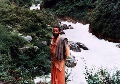 नरेन्द्र मोदी सन्यासी के रूप में
