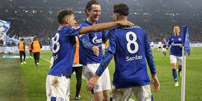 """Rực lửa Bundesliga, giải châu Âu đầu tiên trở lại: Haaland, Sancho đấu """"Liverpool 2.0"""" 2"""