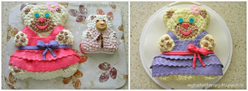 dva krémové dorty ve tvaru medvědích holčiček zdobené mléčnou modelovací hmotou