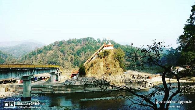 उत्तराखंड के नैनीताल जिले में स्थित गर्जिया देवी मन्दिर