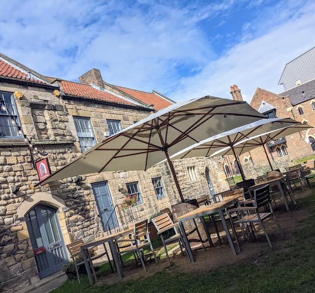 Blackfriars Newcastle - Set Lunch Menu Review  - Outdoor Courtyard