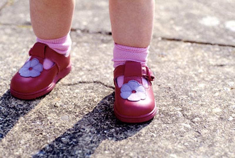 Çocukların Sağlıklı Ayak Gelişimi İçin Tavsiyeler
