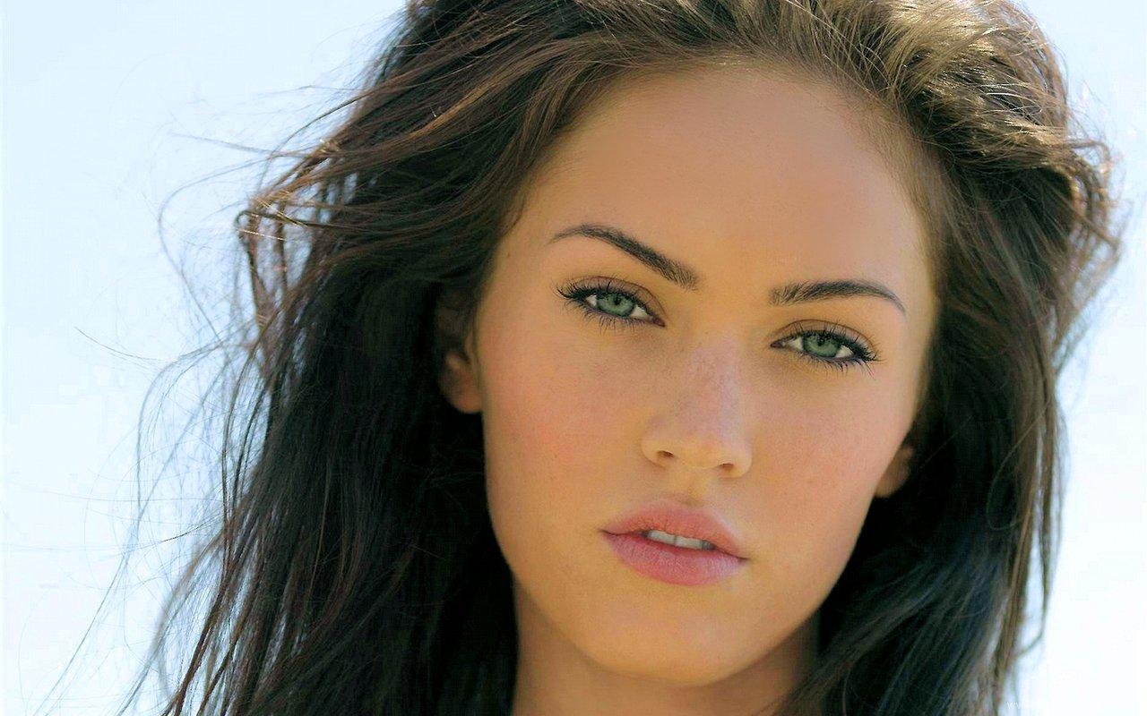 http://1.bp.blogspot.com/-nvrWpBMW630/TdF6O2NOtwI/AAAAAAAADKA/pLpfzcKnJcY/s1600/megan_fox_HD_wallpaper_1600x1200_39.jpg