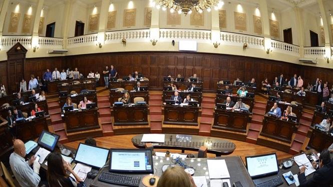 Legisladores mendocinos recibieron $30.000 de aumento y estalló la polémica