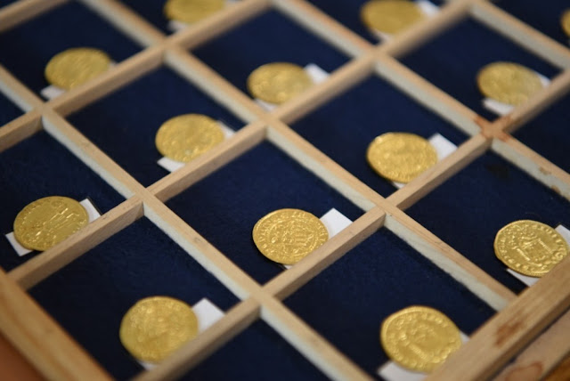 14th century gold and silver coin hoard found in West Bohemia