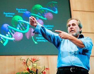 La revolucionaria teoría de Bruce Lipton: Científico afirma que pensamientos curan más que los remedios.