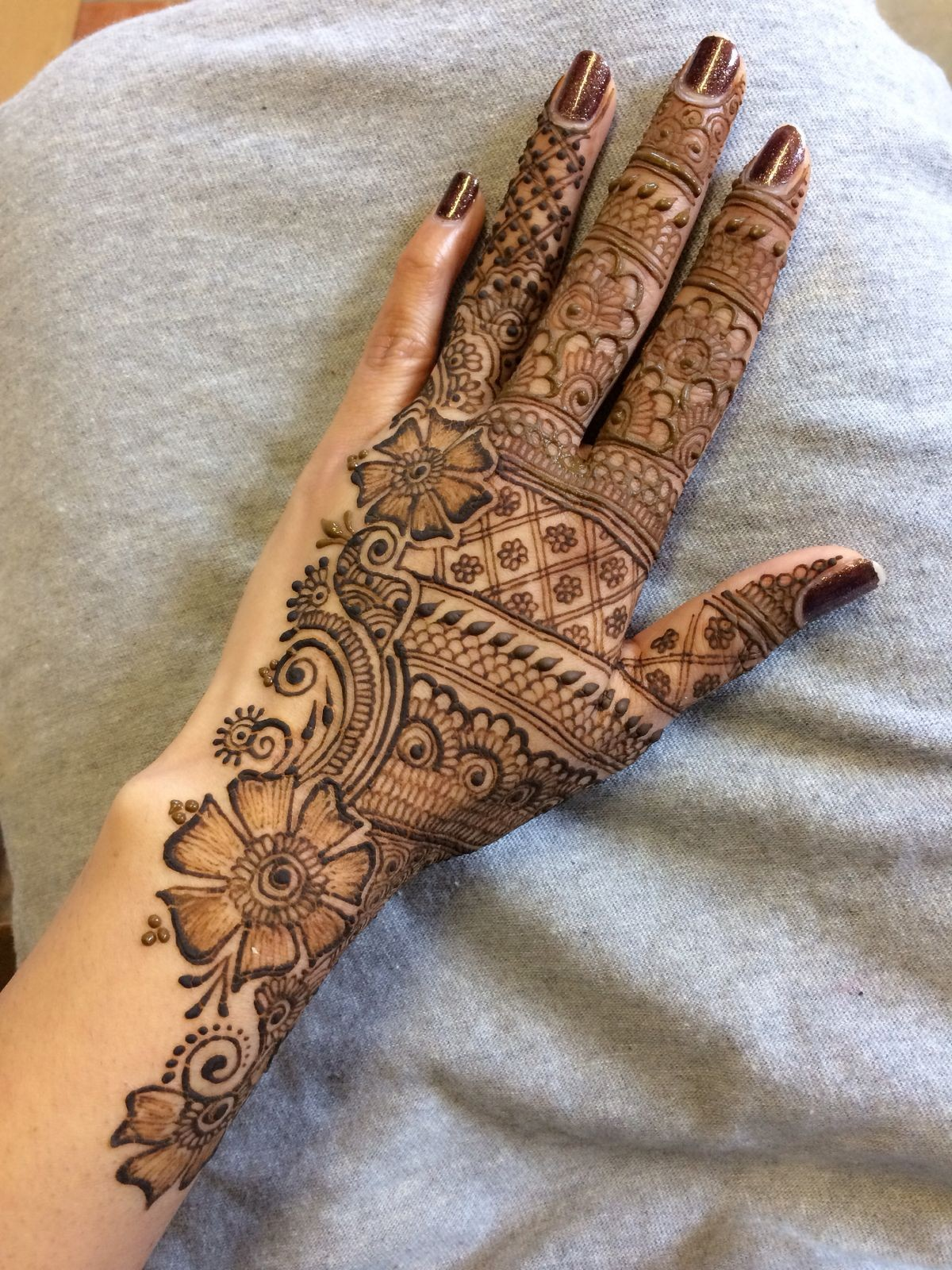 45 Striking Khafif Mehndi Designs Collection For Hands To Try In 2019 Bling Sparkle