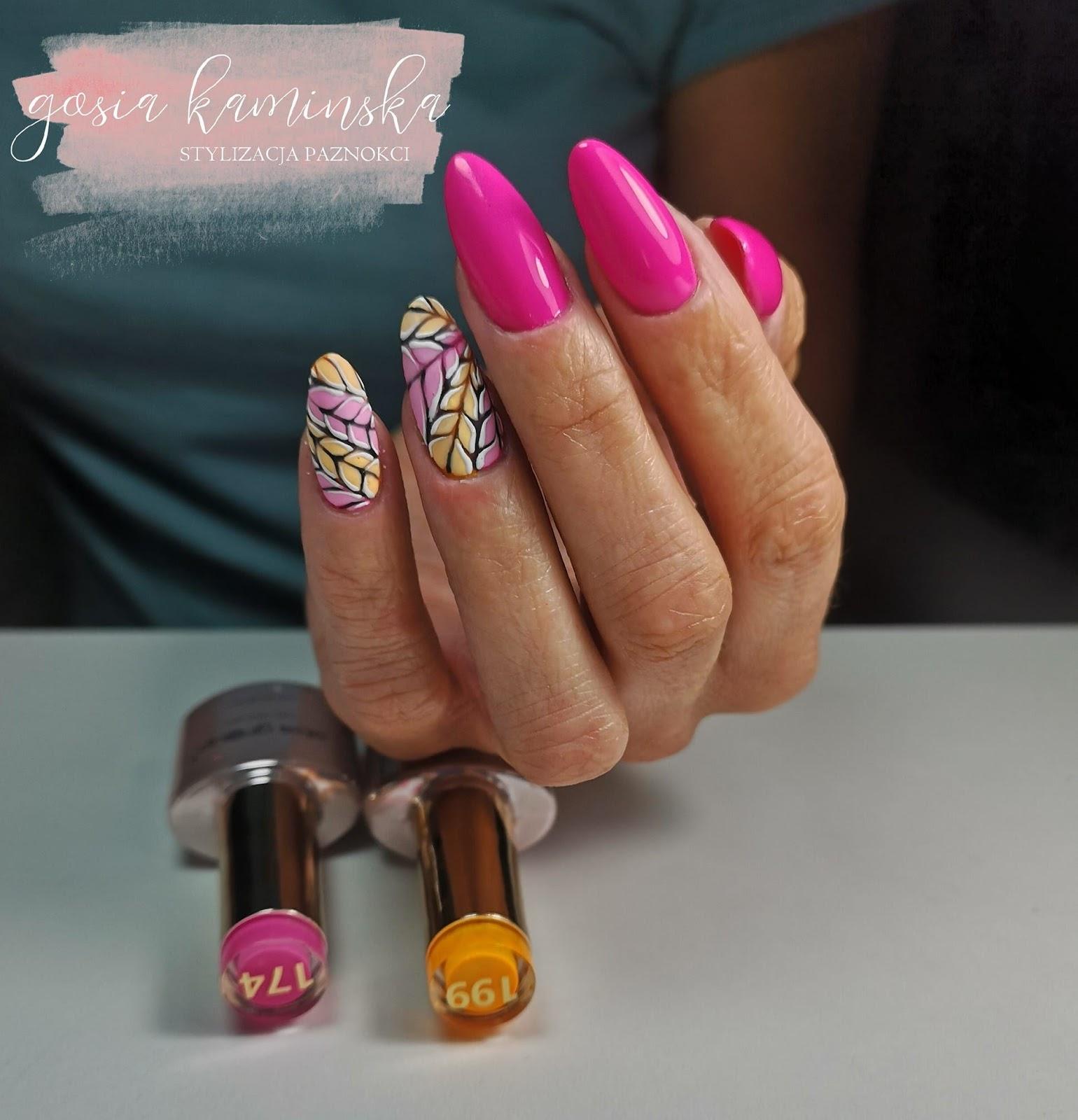 różowe paznokcie ze wzorkami