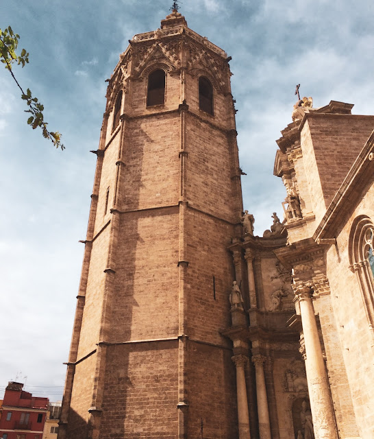 Facciata esterna della Cattedrale di Valencia