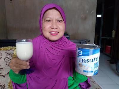 1 gelas Susu terkandung 306 mg kalsium