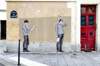 Sunday Street Art : Levalet - rue de la Corderie - Paris 3