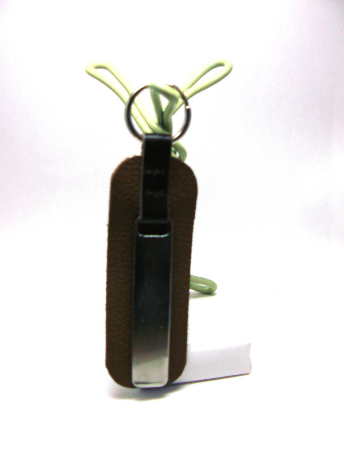 Porte clé en cuir avec languette alluminium