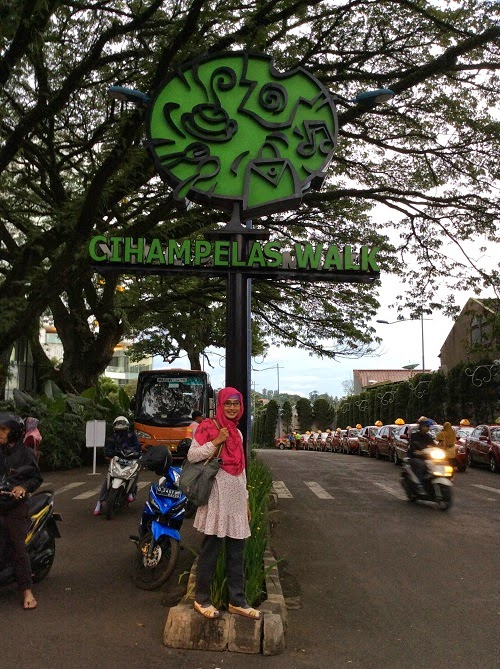 Berkunjung Ke Taman Film di Bandung