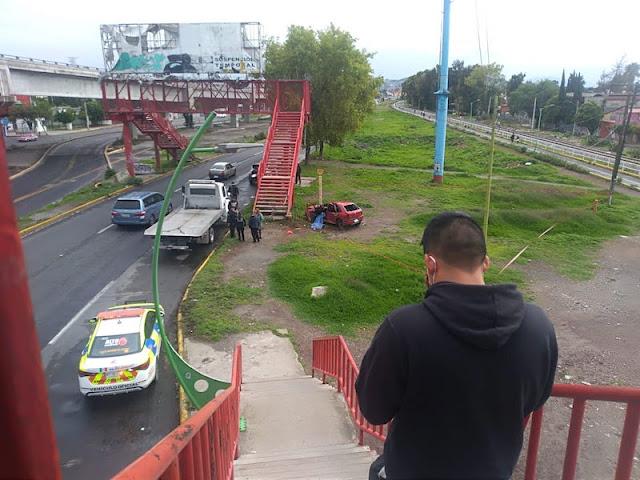 URGENTE Jovencita se mata en su Pointer; manejaba a exceso de velocidad en Ecatepec