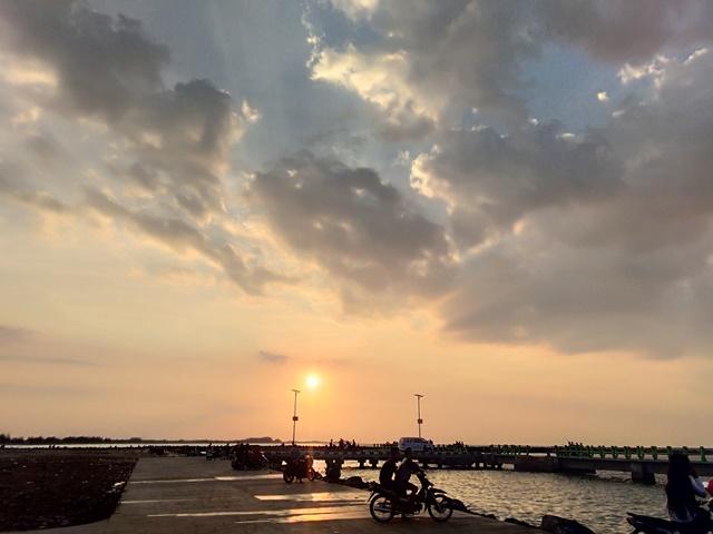 Pantai Pelabuhan Perikanan Pantai Klidang Lor Batang
