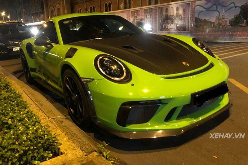 Cận cảnh Porsche 911 GT3 RS Lizard Green trên phố Sài Gòn đẹp không tỳ vết