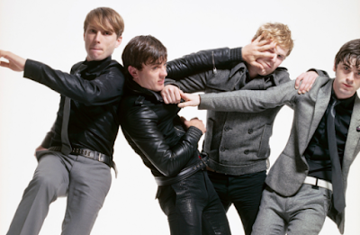 """Lirik Lagu Franz Ferdinand - Feel the Love Go"""