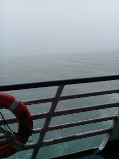 badai di selat laut