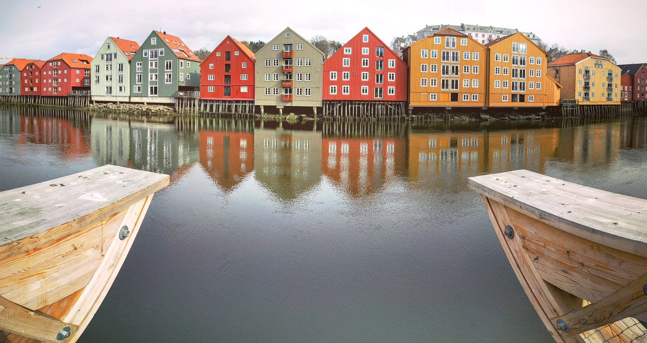 norway, visit norway, scandinavian sheds, colourful sheds, little houses, travel, travel blogger, ttot