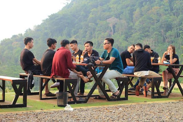 Farm Bukit Waruwangi Serang Banteng