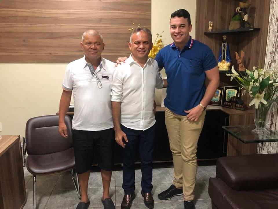 Prefeito Marcone Tavares convida ex-secretário Auricélio Fernandes para ser coordenador de esportes para a juventude na Secretaria da Juventude e Esporte de Aurora