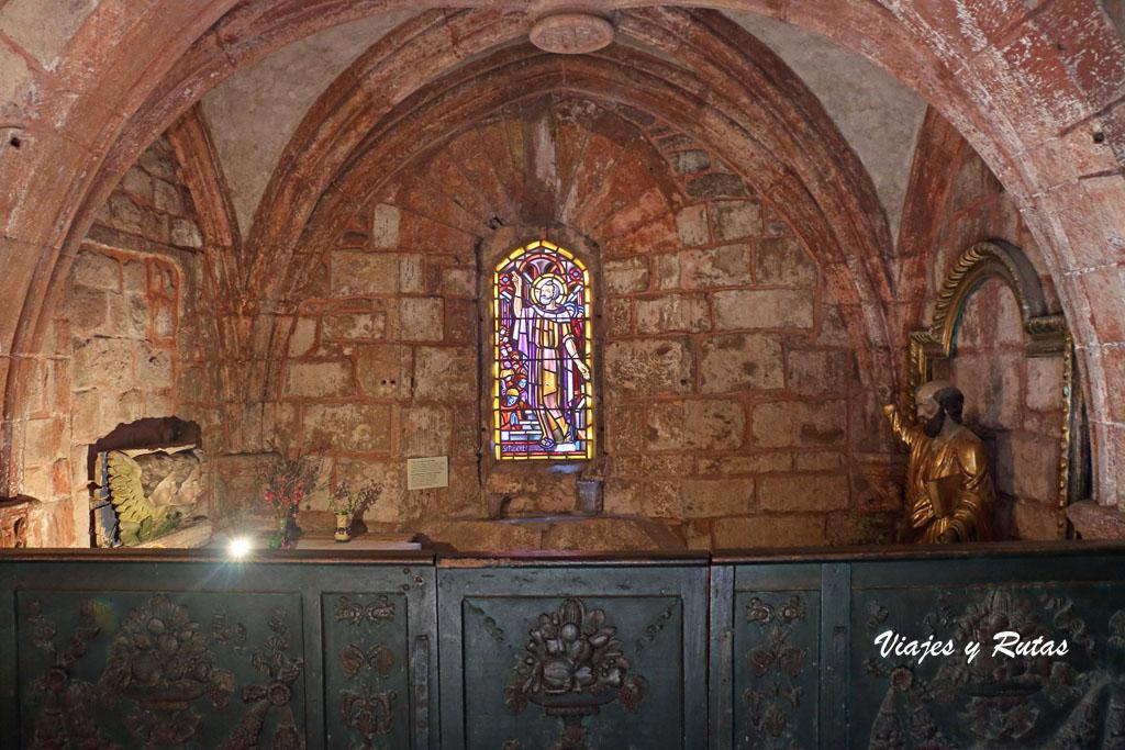 Capilla de la Iglesia de San Pedro, Collonges la Rouge, Francia