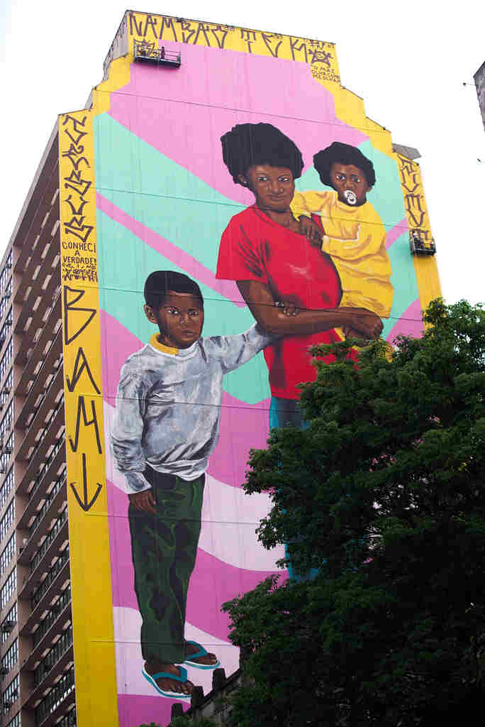 Robinho Santana - Obra foi entregue no domingo (4/10) em Belo Horizonte e faz parte do CURA - Circuito Urbano de Arte