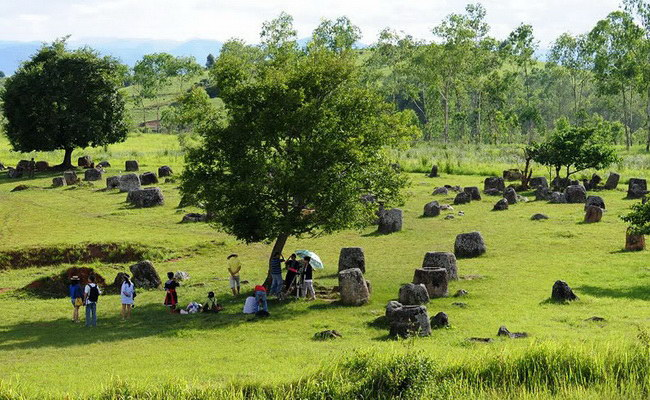 Xvlor.com Plain of Jars is megalithic burial landscape in Xiangkhoang Plateau