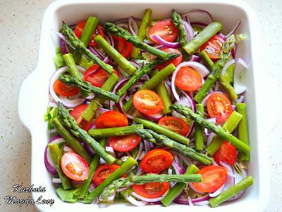 Sałatka z pomidorkami i szparagami