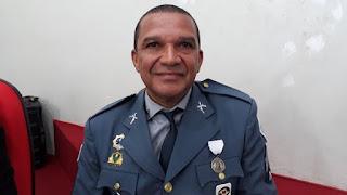 Sérgio Faustino Teixeira posa para foto