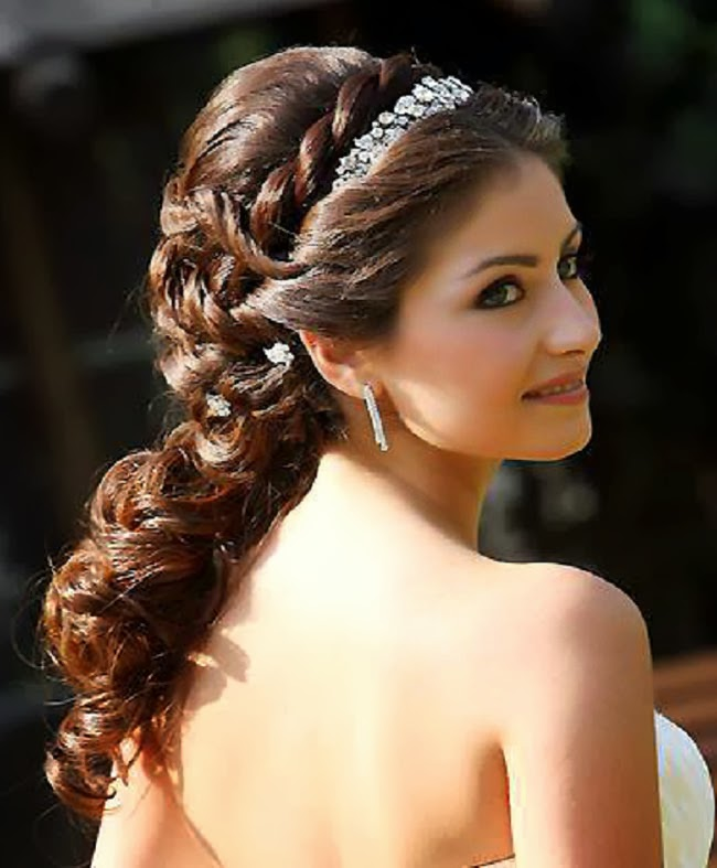 16 Gorgeous Medium Length Wedding Hairstyles: Wedding Hairstyles Long Hair And Curly 2013