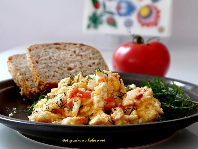 Jajecznica z pomidorami - Czytaj więcej »
