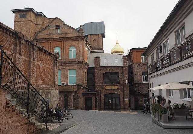 Владивосток - двор Большого ГУМа