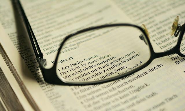 Estudo Bíblico: Eliú fala com Jó (32: 1-33: 7)