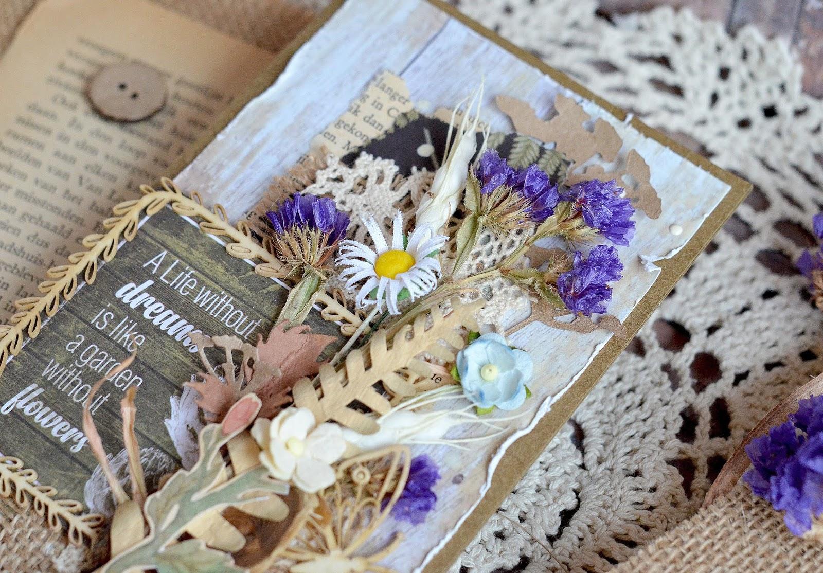 открытки с сухоцветами своими была пристегнута
