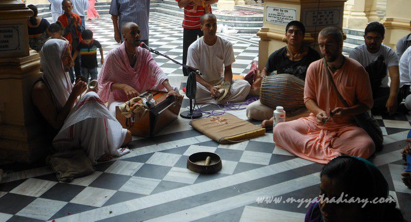 ISKCON Bhaktas singing glory to the Lord