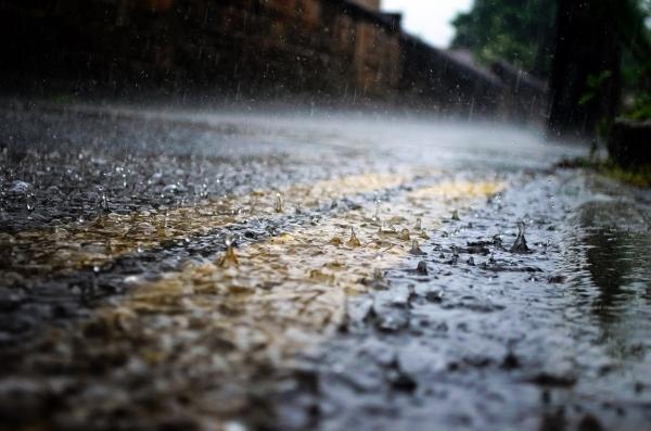 pioggia-acqua-calcestruzzo drenante