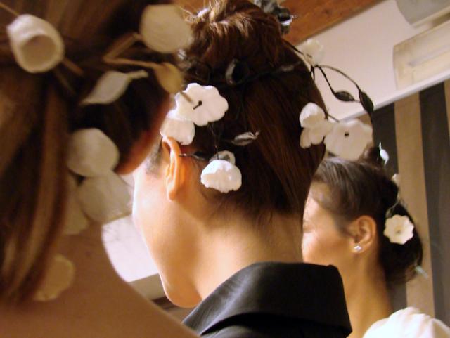 ghirlande di fiori di carta per capelli